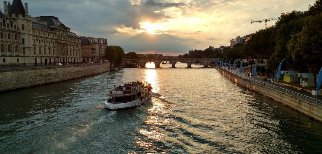 Crucero turístico por el Río Sena